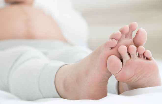 HealthStar Clinic - Swollen Feet Relief